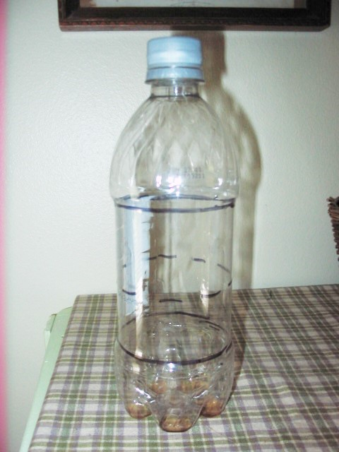 Lines on bottle indicating cuts